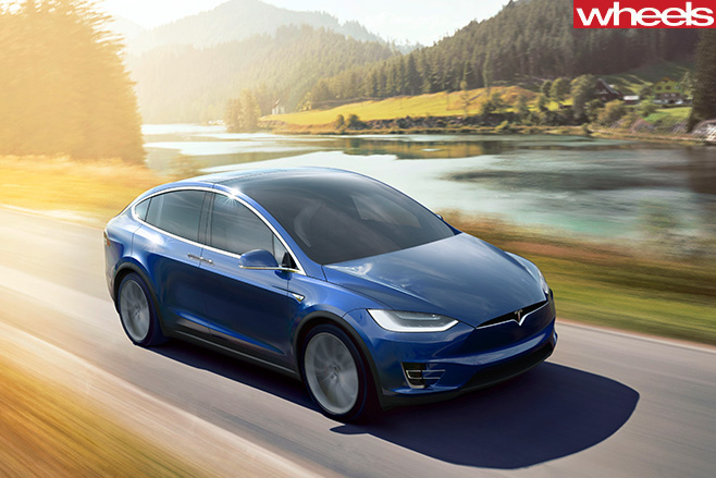 Tesla -Model -X-drivign
