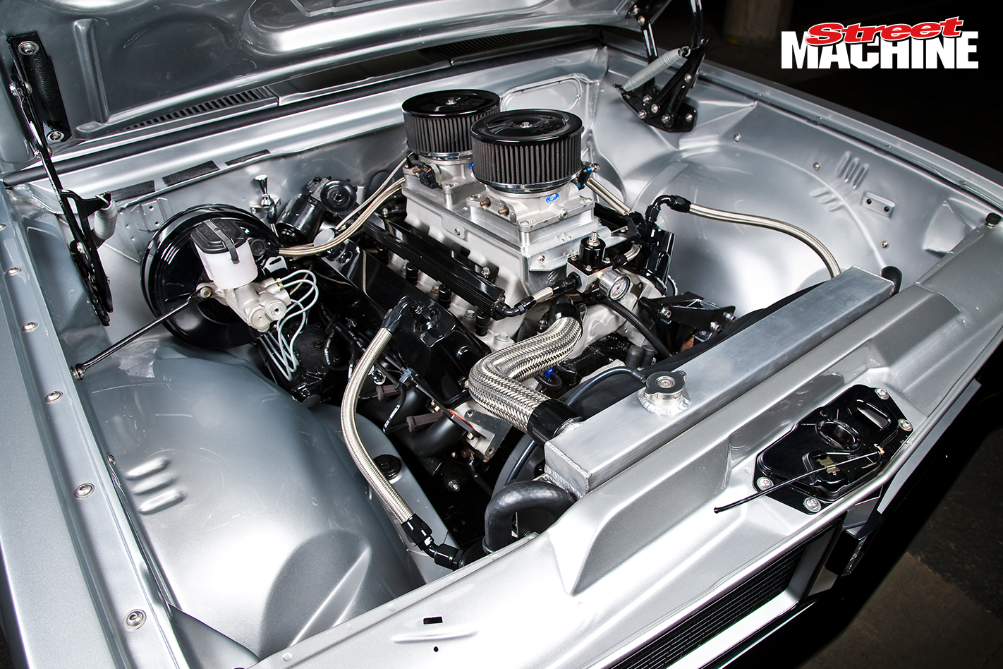 Holden HG Monaro GTS 355 V8 Engine 2