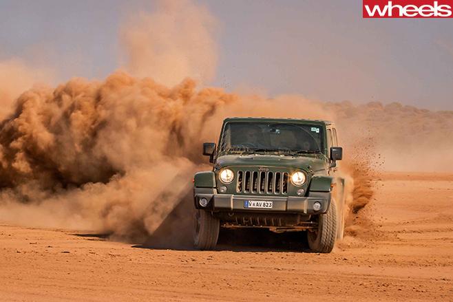 Jeep -Wrangler -desert -driving