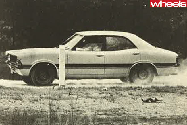 1976-Ford -Falcon -side