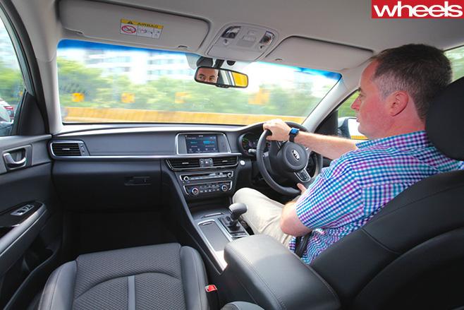 Kia -Optima -steering