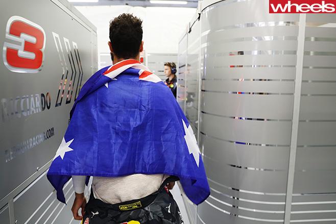 Daniel -Ricciardo -Australian -flag