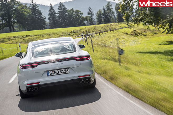 Porsche -Panamera -rear -driving