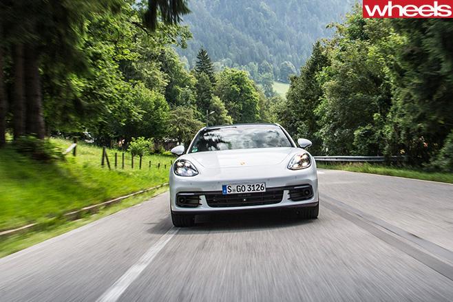 Porsche -Panamera -front -driving