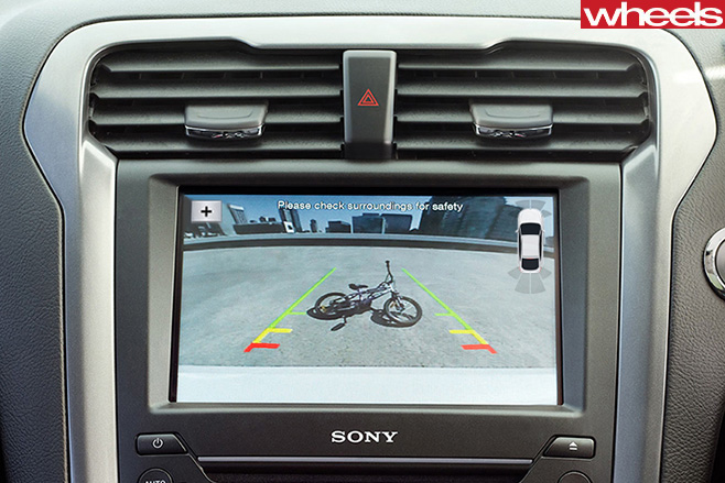 Ford -Sync -3-rear -view -camera