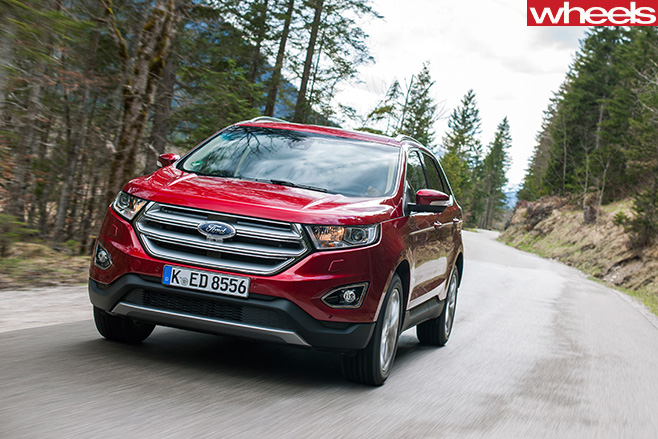 Ford -Edge -driving