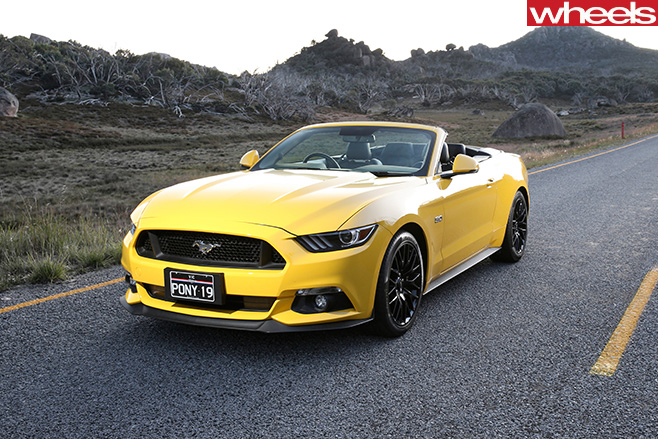 Ford -Mustang -convertible