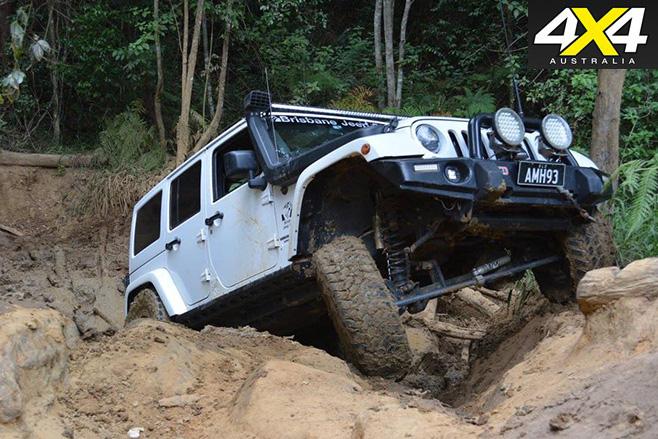 2013 jeep wrangler rubicon crawling