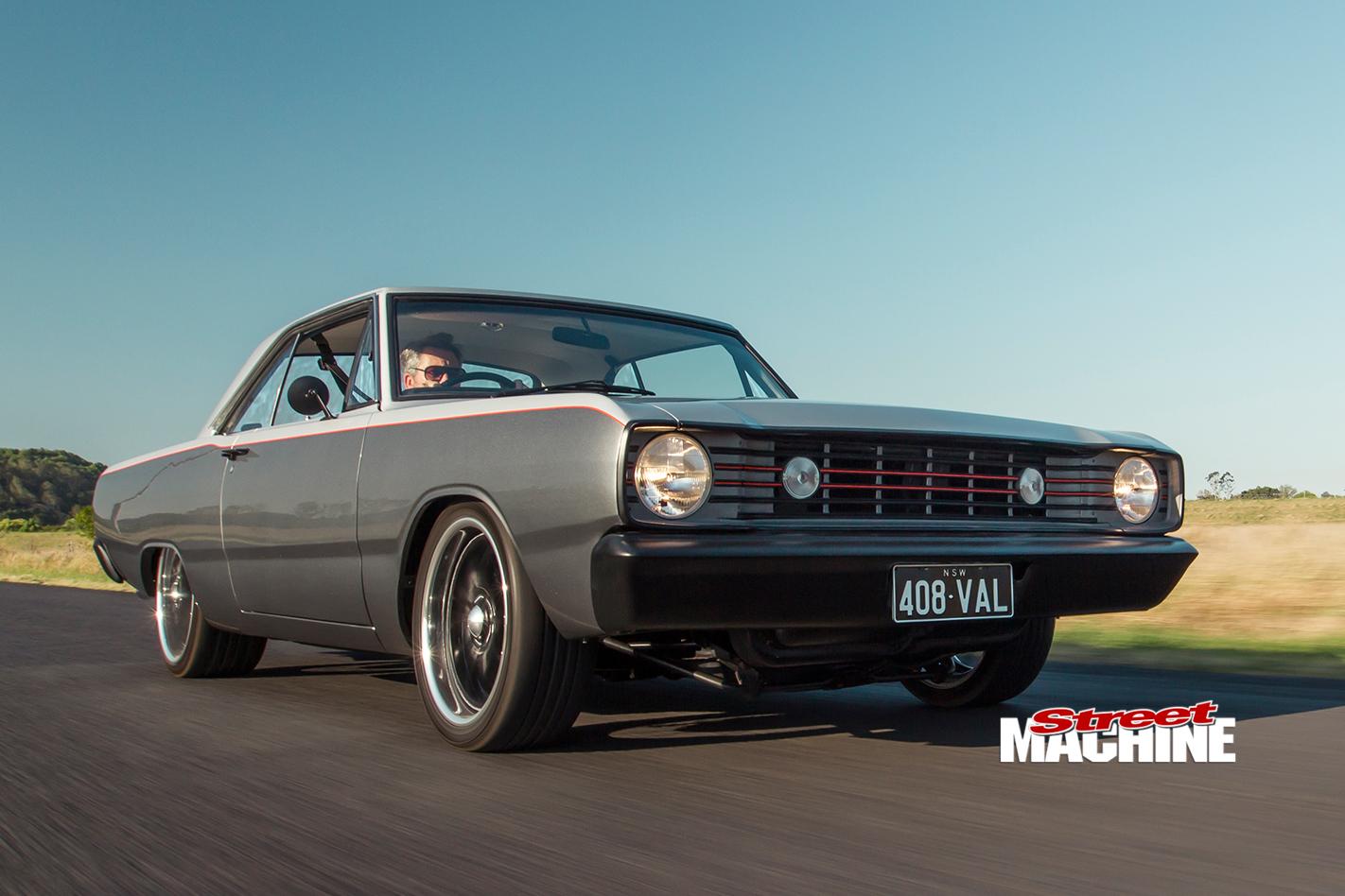 Chrysler -Valiant -VF-front -onroad