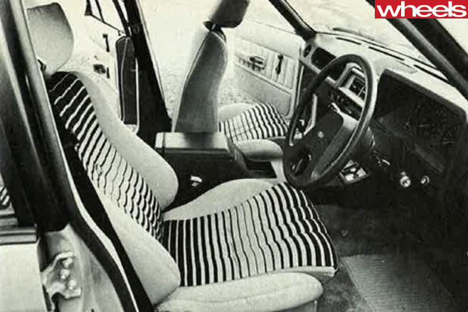 Ford -Falcon -XD-1-2-interior