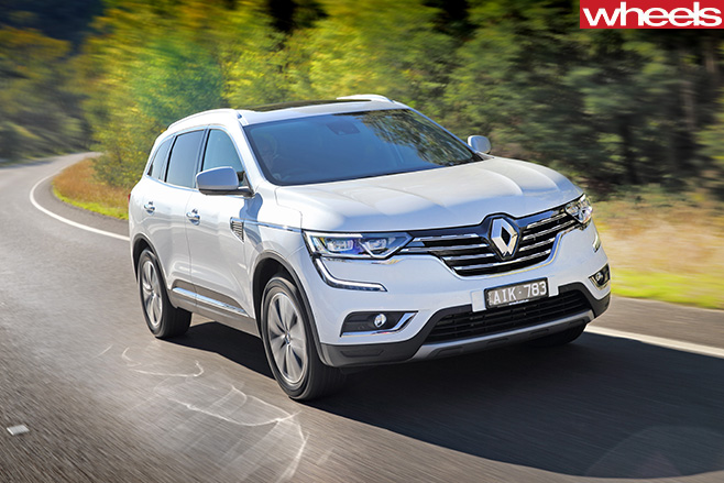 Renault -Koleos -top -side -driving -front