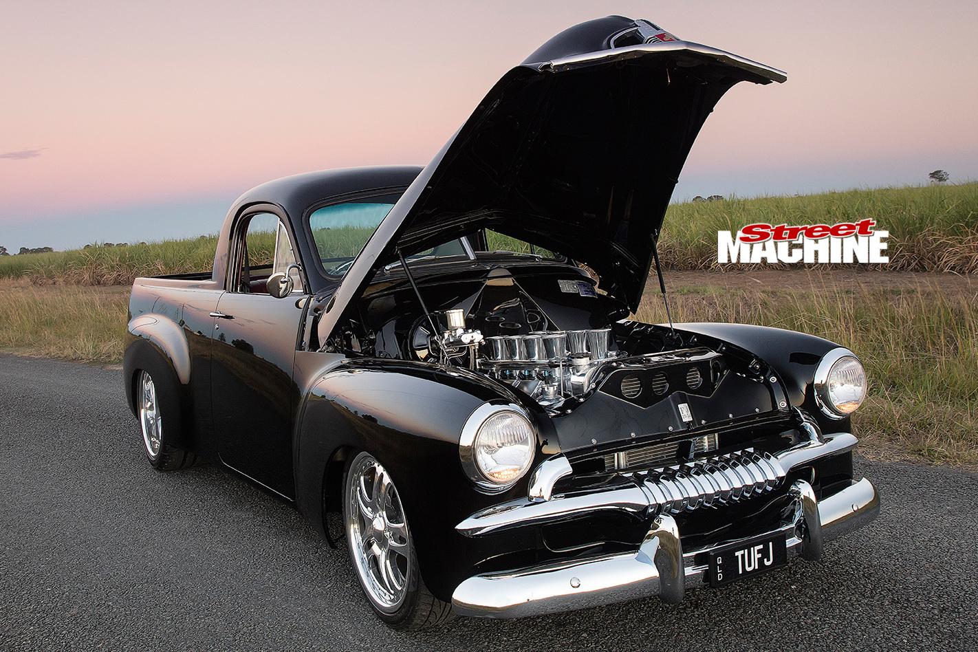 Holden -FJ-ute -bonnet -up -2