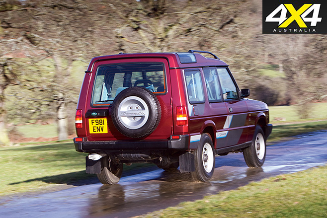 Land rover discovery 1 rear driving