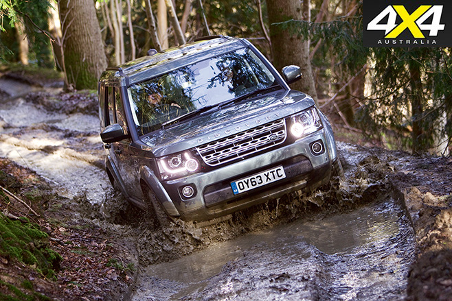 Discovery 4 driving through mud