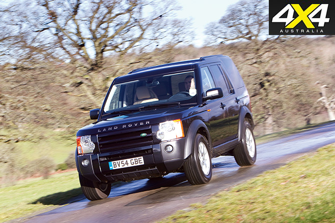 Land rover discovery 3 driving