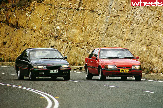 1992-Ford -Falcon -and -Holden -Commodore -driving