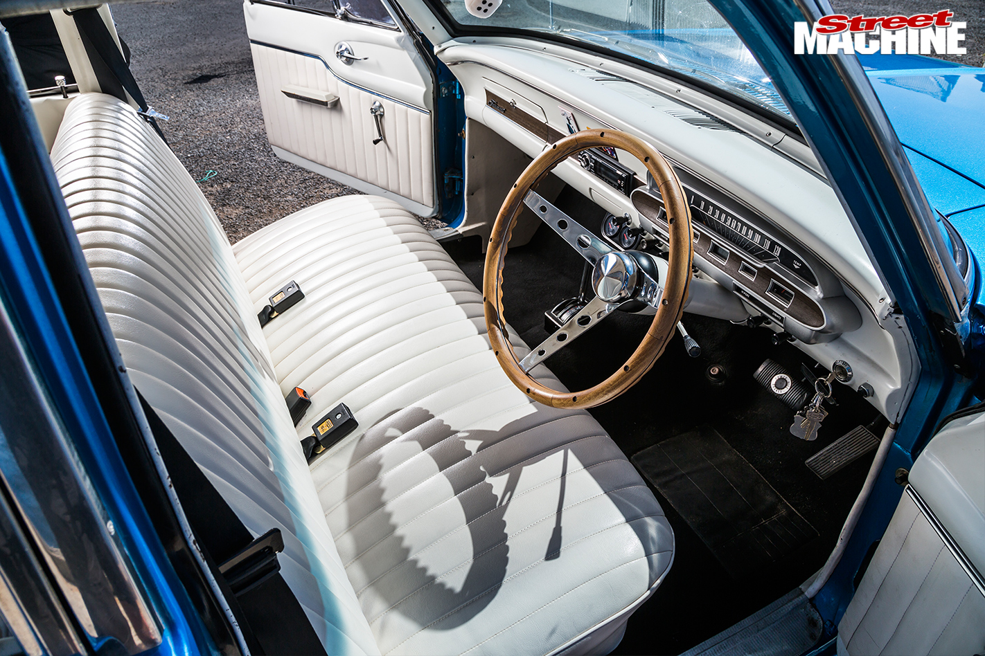 Ford -xp -falcon -interior -2