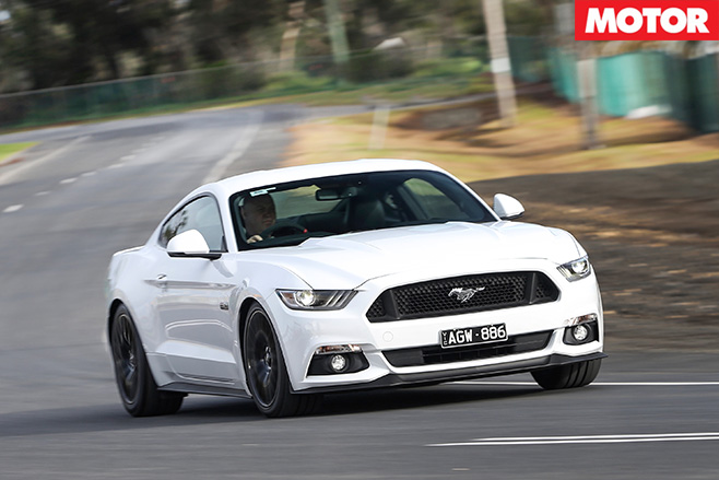 Herrod -Motorsport -Ford -Mustang -turning