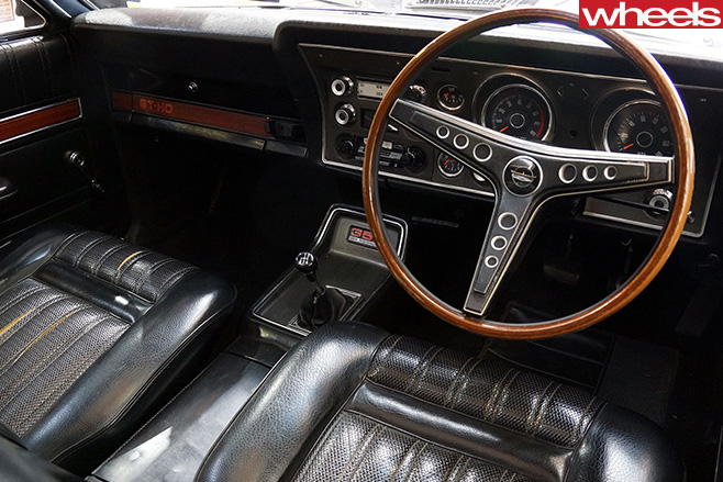 Ford -Falcon -XY-GT-interior