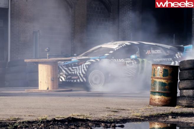 Ken -Block -Ford -Focus -RS-drifting -sideways
