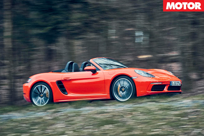 Porsche -boxster -driving
