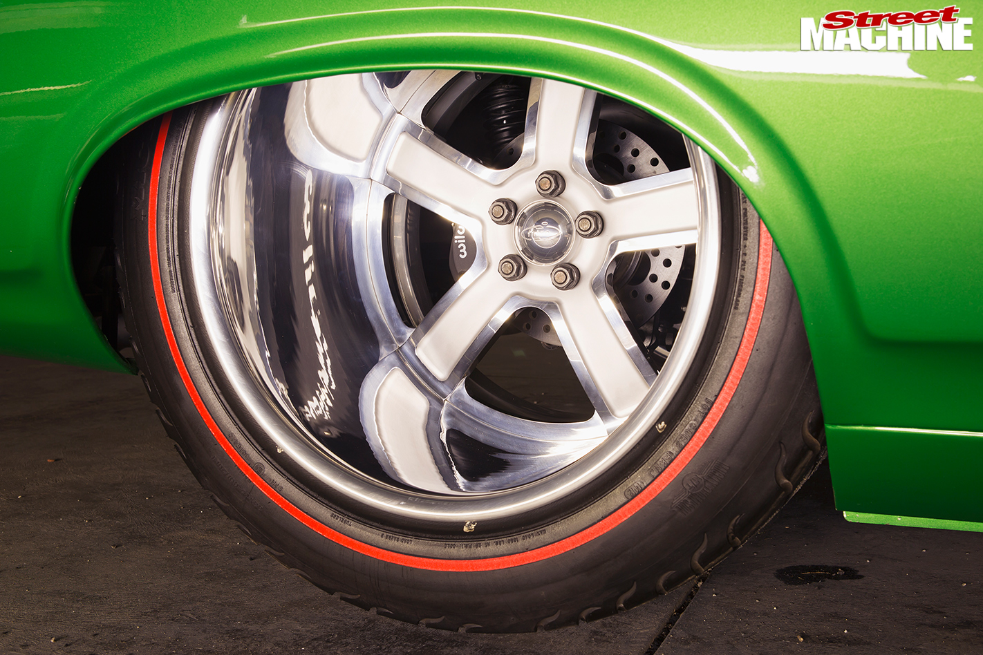 Ford -XA-Falcon -rear -wheel