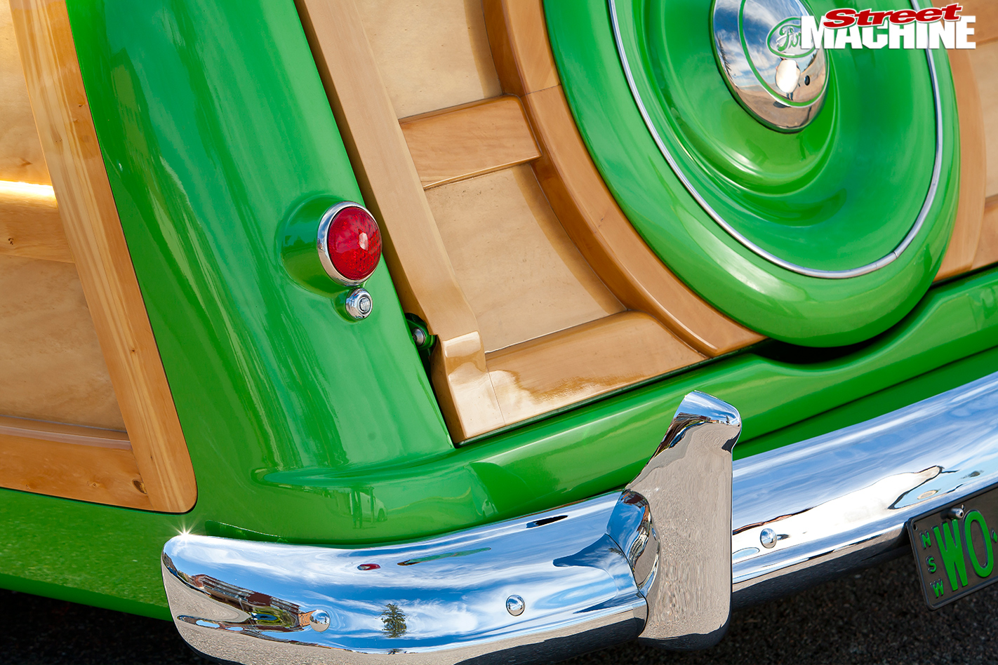 Ford -woody -bumper -detail