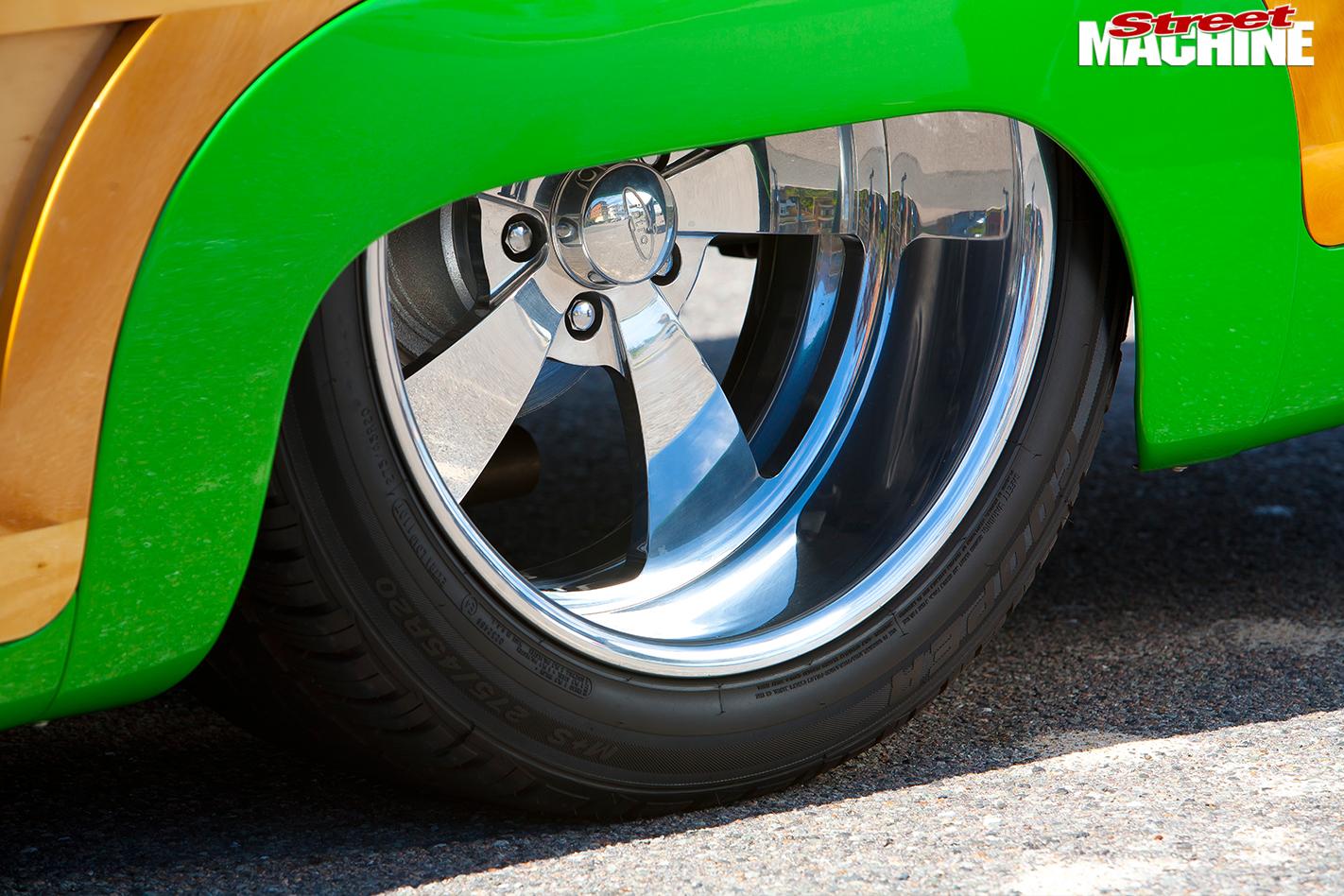 Ford -woody -wheel