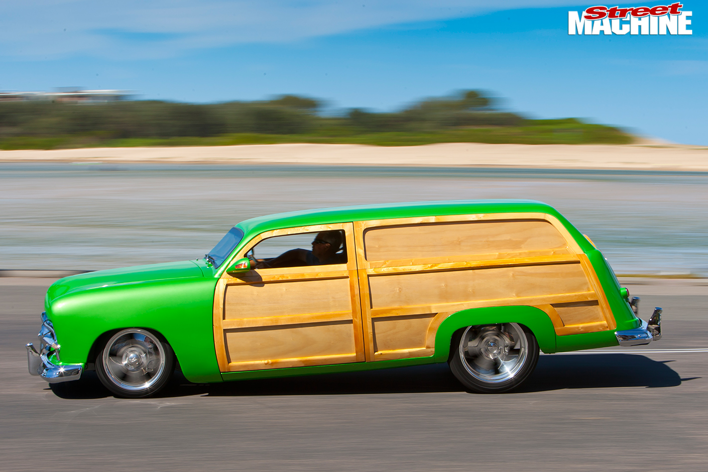 Ford -woody -side -view