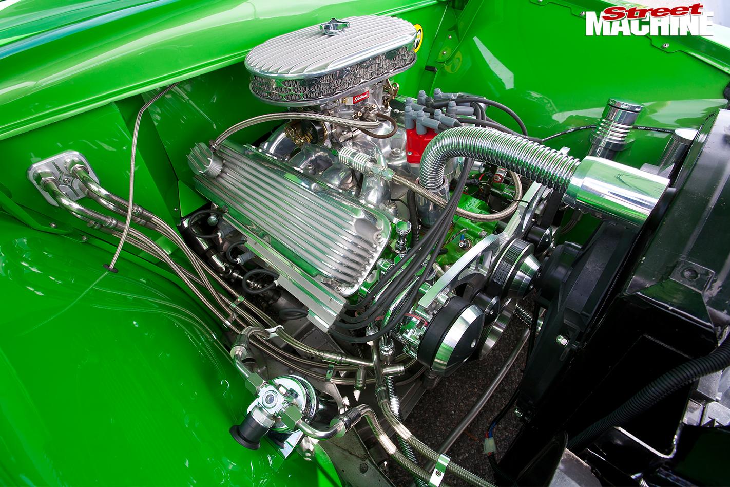 Ford -woody -engine -bay