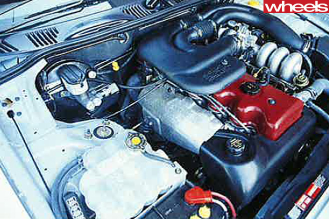 1995-Ford -EF-II-Falcon -engine