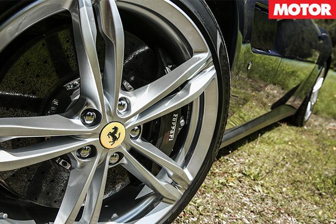 Ferrari GTC4 Lusso wheel