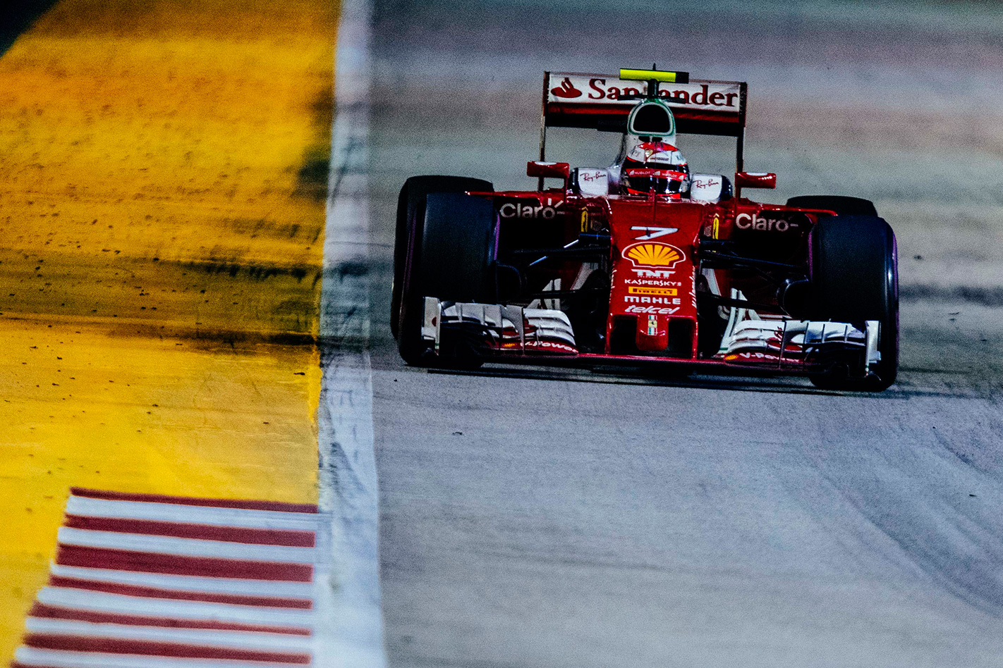 2016-Singapore -Grand -Prix ---Fourth -and -fifth -for -the -Scuderia