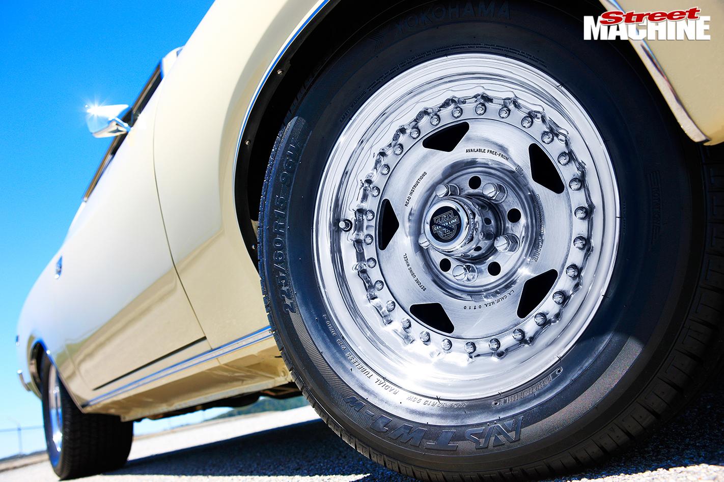 Chrysler -charger -wheel