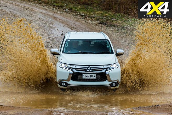 Pajero sport mud driving