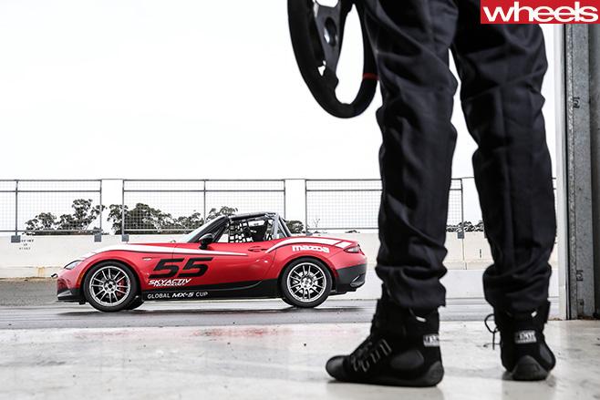 Mazda -MX-5-Cup -garage