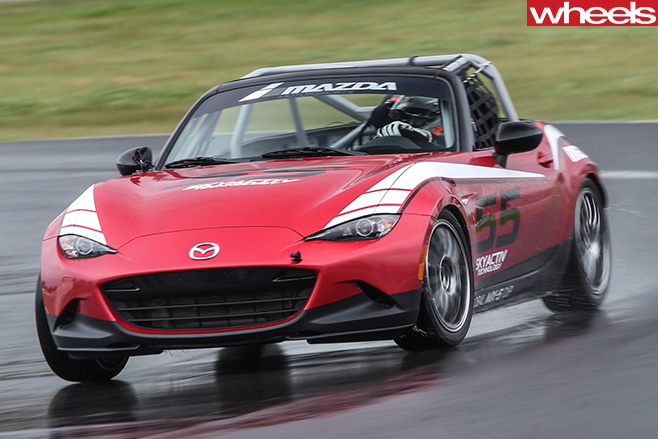 Alex -Inwood -driving -Mazda -MX-5-Cup