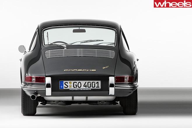 1964-Porsche -911-rear
