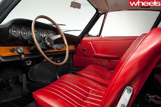 1964-Porsche -911-interior