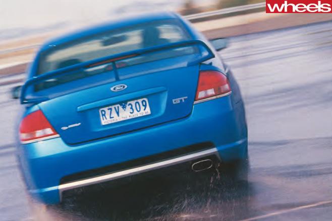 2003-Ford -BA-V8-rear -driving -wet