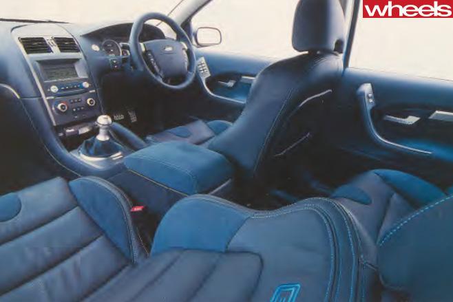 2003-Ford -BA-V8-interior