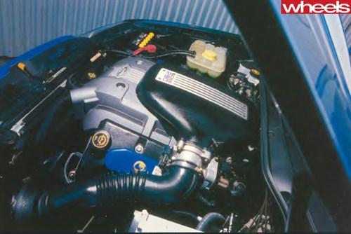 2003-Ford -BA-V8-engine
