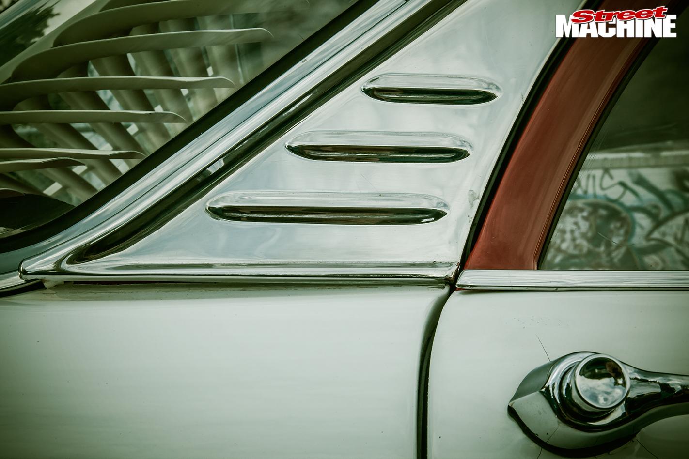 Holden -FB-detail