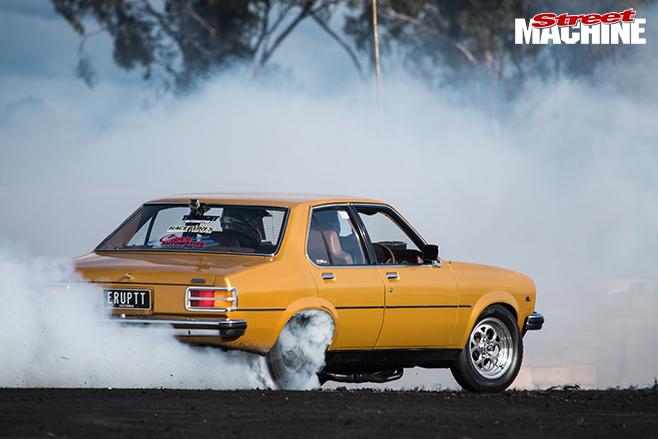 Performance car mania burnout