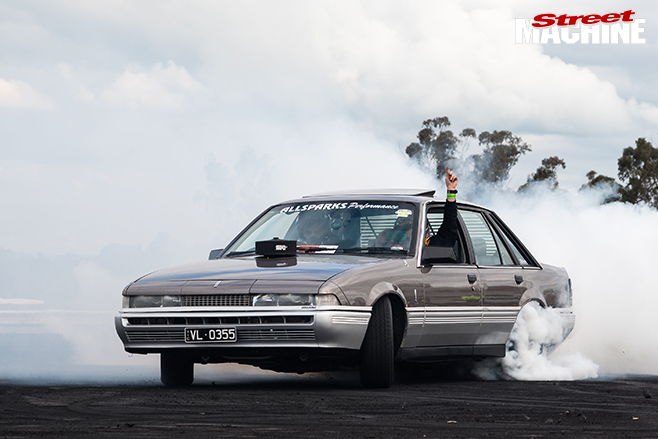 Performance car mania holden HK-premier burnout