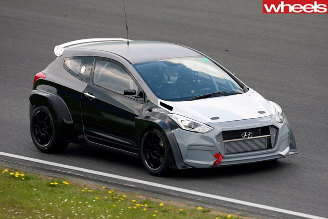 Hyundai -i 30-N-front -side -action