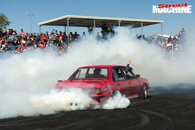 Red -centre -nats -pink -commodore -burnout