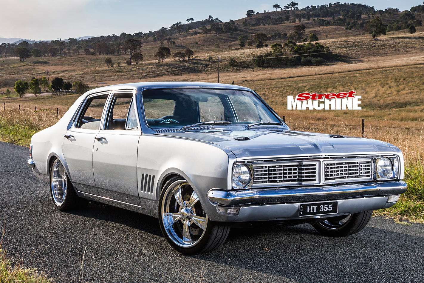 Holden -HT-Kingswood -front -angle