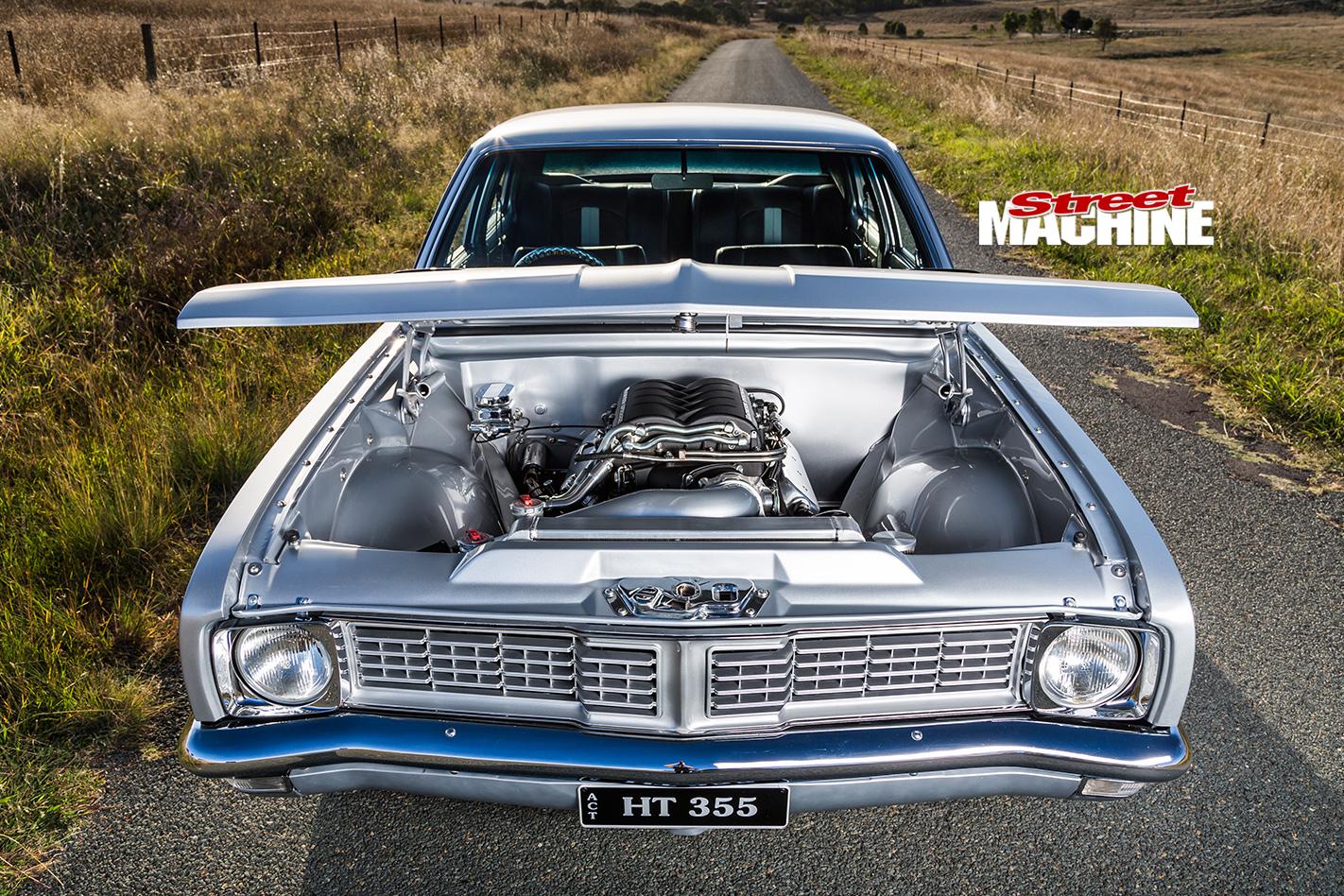 Holden -HT-Kingswood -bonnet -up -2