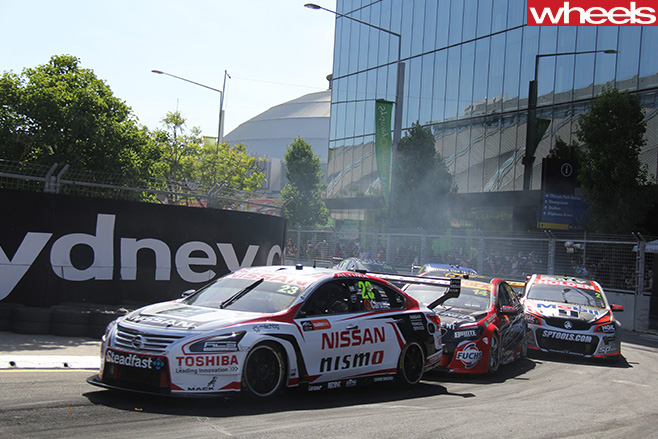 V8-Supercars -racing -track